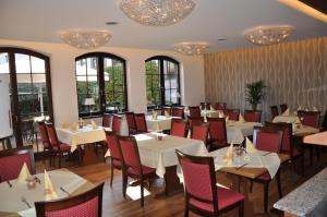 Hotel Restaurant Zum Schwan, Szállodák  Mettlach - big - 46
