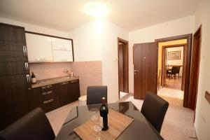 Apartments Jovanovic, Apartmány  Kotor - big - 41