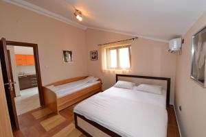 Apartments Jovanovic, Apartments  Kotor - big - 9