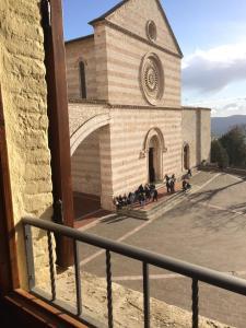 Appartamenti Piazza Santa Chiara - AbcAlberghi.com
