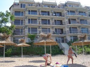 Villa Lazuren Bryag 2, Guest houses  Chernomorets - big - 8