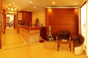 Hotel Raya's Annexe-1, Лоджи  Кумбаконам - big - 9