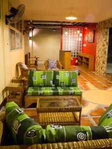 Happy Turtle Hostel, Хостелы  Манила - big - 13