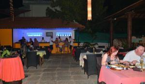 Silver Sands Sunshine - Angaara, Hotels  Candolim - big - 62