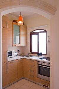 Ascot By The Sea, Apartmány  St Paul's Bay - big - 7