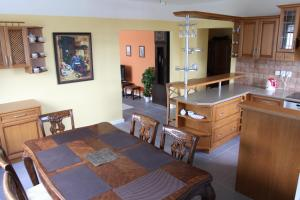 Villa Anastazis - Penzion Eden, Guest houses  Karlovy Vary - big - 21