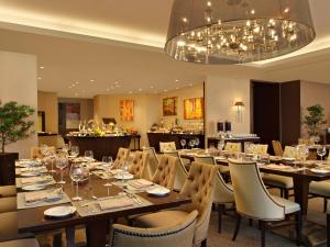 Joy~Nostalg Hotel & Suites Manila Managed by AccorHotels, Апарт-отели  Манила - big - 16