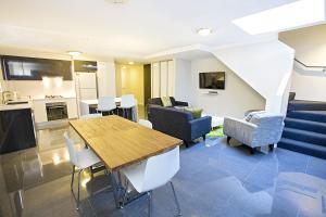 Astina Serviced Apartments - P..