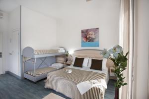 Hotel Beau Soleil, Отели  Чезенатико - big - 17