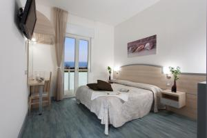 Hotel Beau Soleil, Отели  Чезенатико - big - 40