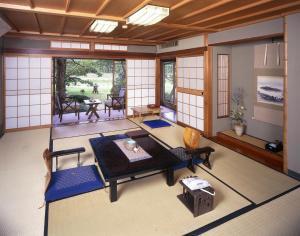 Seikiro Ryokan Historical Museum Hotel, Рёканы  Miyazu - big - 3