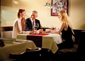 Hotel Restaurant Florianihof, Szállodák  Nagymarton - big - 23