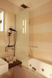 Hotel Golden Tulip Ana Tower Sibiu, Hotels  Sibiu - big - 24