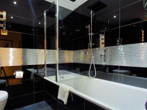 Montcalm Club Double Room