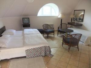 Castelinho Apartmanház, Apartments  Gyenesdiás - big - 6