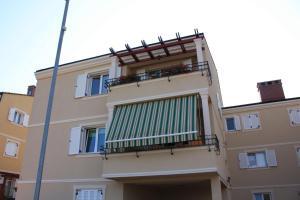 Apartment Latica - Valdebek