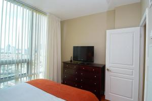 Whitehall Suites - Mississauga Furnished Apartments, Apartments  Mississauga - big - 22