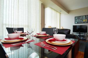 Whitehall Suites - Mississauga Furnished Apartments, Apartments  Mississauga - big - 40