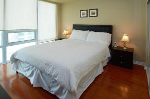 Whitehall Suites - Mississauga Furnished Apartments, Apartments  Mississauga - big - 23