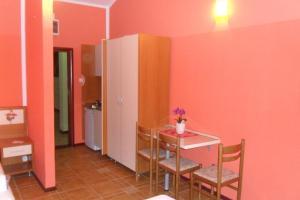 Apartments Marović, Apartmány  Luštica - big - 10