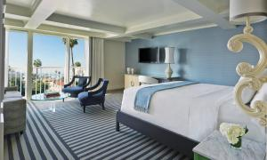 Junior King Suite with City View