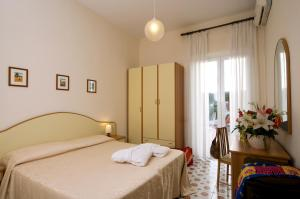 Hotel Casa Di Meglio, Отели  Искья - big - 2
