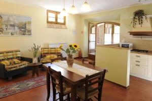 B&B Casale Virgili, Bed & Breakfast  Siena - big - 2
