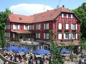 A la Maison Rouge Hôtel & Restaurant