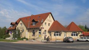 Anker Étterem és Panzió, Penziony  Gönyů - big - 1