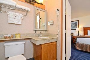 Double Room with Two Double Beds - Harbor View - Non smoking