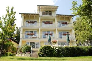 Pension Sonnblick, Guest houses  Sankt Kanzian - big - 1