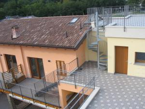 Residence Borgo Del Cigno, Apartmánové hotely  Spinone Al Lago - big - 25