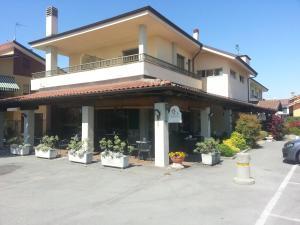 Borgonuovo, Hotel  Marene - big - 19