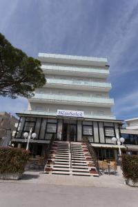 Hotel Beau Soleil, Отели  Чезенатико - big - 66