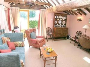 Pippins, Cottages  Hainford - big - 9