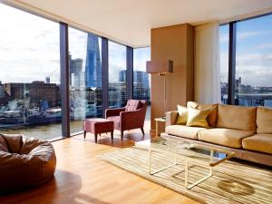 Deluxe Three-Bedroom Apartment with Tower Bridge View