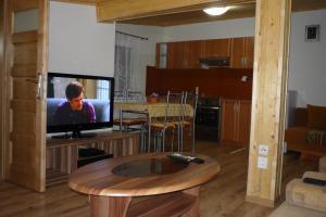 Penzion Tatry, Appartamenti  Veľká Lomnica - big - 8