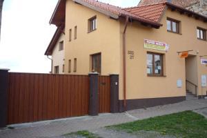 Penzion Tatry, Appartamenti  Veľká Lomnica - big - 7