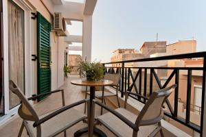Mirabello Hotel, Hotels  Iraklio - big - 4