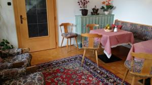Kreuzhof, Bed and Breakfasts  Seefeld in Tirol - big - 39