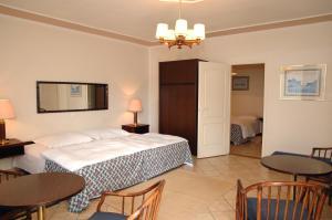 Castelinho Apartmanház, Apartmanok  Gyenesdiás - big - 10