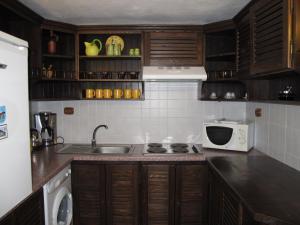 Hilde's Residence, Penzióny  Gura Humorului - big - 9