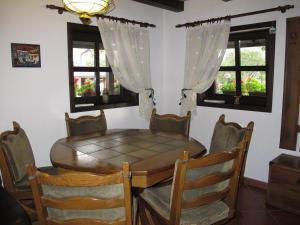 Hilde's Residence, Penzióny  Gura Humorului - big - 5