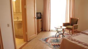 Costa 3S Beach Club - All Inclusive, Hotel  Bitez - big - 11