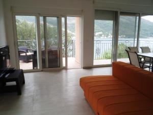 Apartments Ekatarina, Ferienwohnungen  Tivat - big - 13