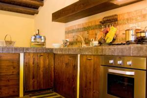 Borgo Dell'Etna, Country houses  Sant'Alfio - big - 32