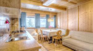 Appartamenti Pinei, Appartamenti  San Vigilio Di Marebbe - big - 3