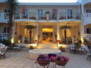 Bueno Hotel, Residence  Platanes - big - 81