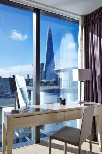 Luxury One-bedroom Apartment with Tower View