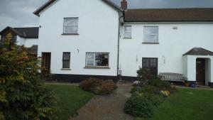 Friars Hele B&B, Bed & Breakfasts  Meeth - big - 1